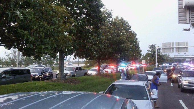Reportan un incidente con un hombre armado en el aeropuerto de Orlando