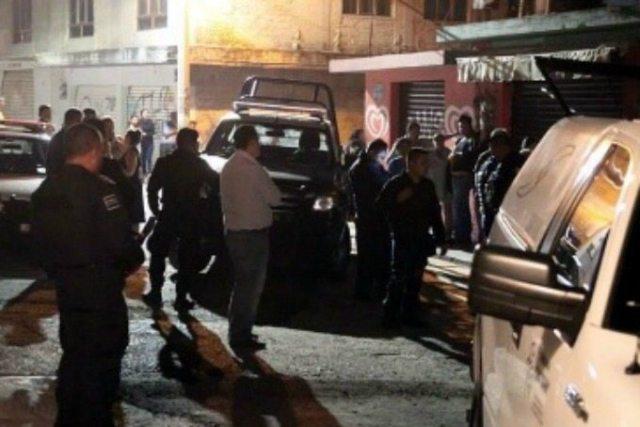 Ejecutan a 4 hombres en vecindad Atizapán