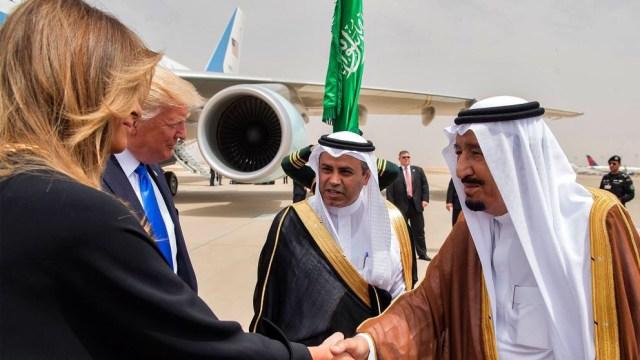 Arabia Saudita recibe a Trump en su primera gira internacional