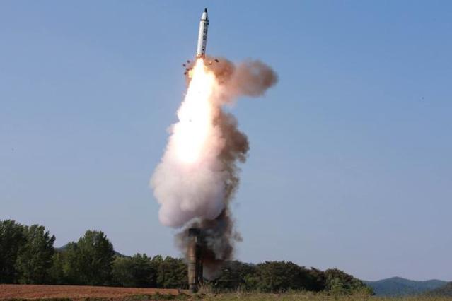 Hace disparos de advertencia hacia Norcorea: Corea del Sur