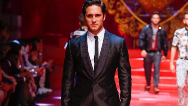Diego Boneta modeló para Dolce & Gabbana