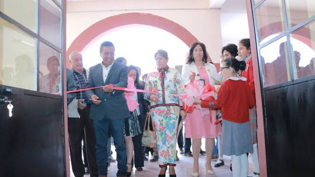 Inauguran auditorio en escuela primaria de Zinacantepec