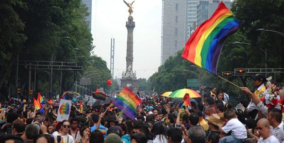 Cierran circuito del Zócalo por preparativos de la marcha gay