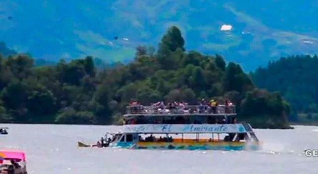 Suman nueve muertos por naufragio en Colombia