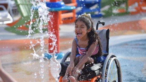 Inauguran el primer parque acuático para personas con discapacidad en Estados Unidos