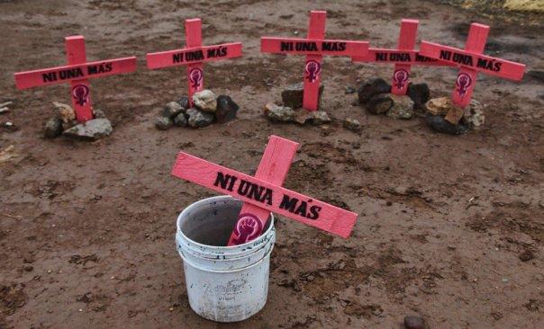 Golpeada y estrangulada fue encontrado el cuerpo de un mujer en Almoloya