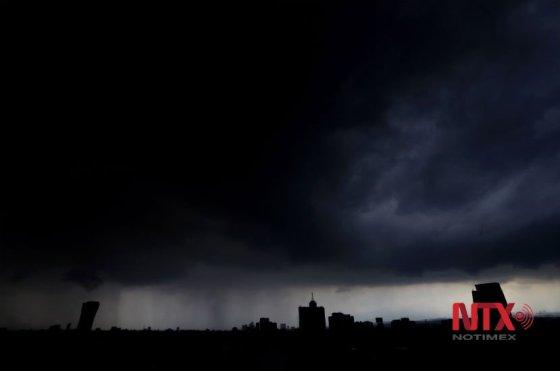 Imágenes de la tormenta que azota a la Ciudad de México