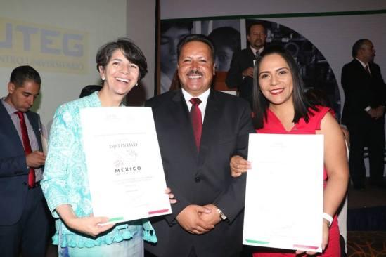 "Recibe Sistema Municipal DIF Toluca Distintivo ""México Sin Trabajo Infantil"""