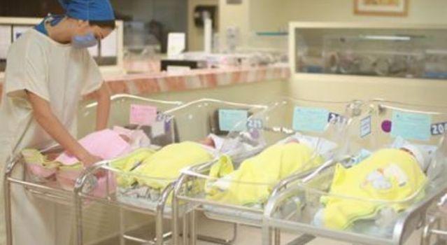 Con 50 mdp indemnizarán a madres que les cambiaron bebés