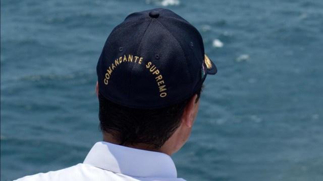 """Causa furor gorra de """"Comandante Supremo"""" de Peña Nieto"""
