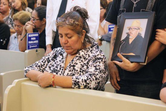 Gobiernos en México encubren al crimen, asegura viuda de Valdez