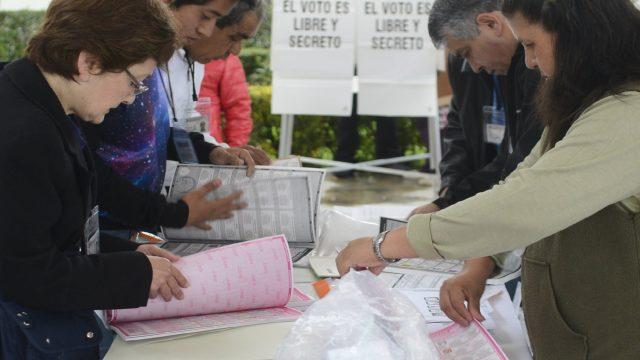 Se realizan elecciones tranquilas en Toluca