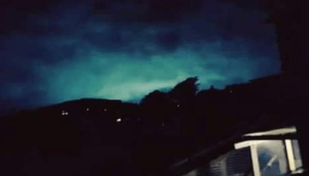 Qué son las luces en el cielo durante sismo