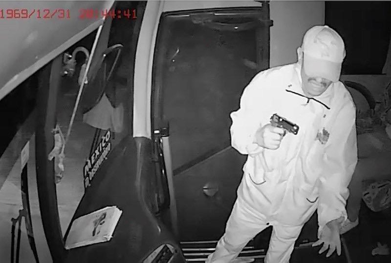 VIDEO: Asaltan autobús y secuestran a joven pasajera en Ocuilan