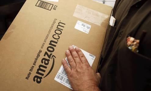 Trump pide al Servicio Postal cobrar más a Amazon por entregas