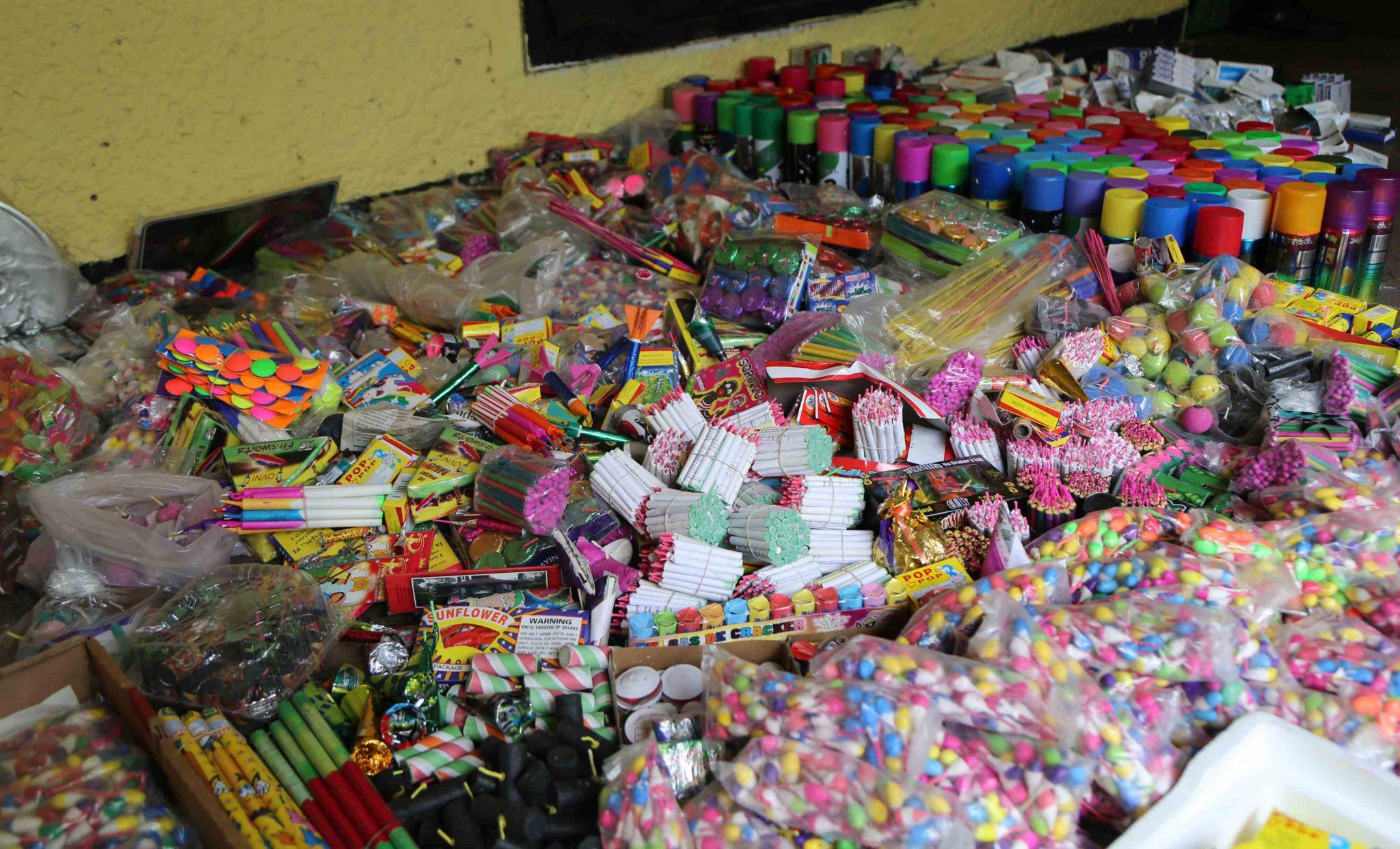 Decomisan 10 kilos de pirotecnia en San Cristobal Huichochitlán