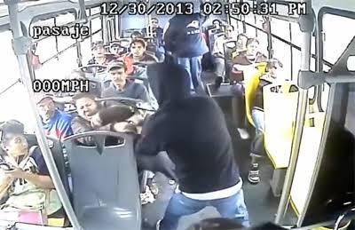 ¡Terror en transporte público!