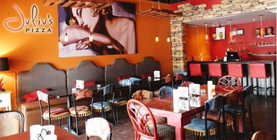 Asaltan a 20 comensales de pizzería en la Del Valle