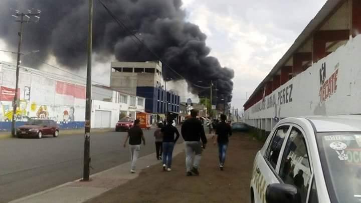 d46713cd115 Incendio en Fábrica de Hule Espuma en Ocoyoacac