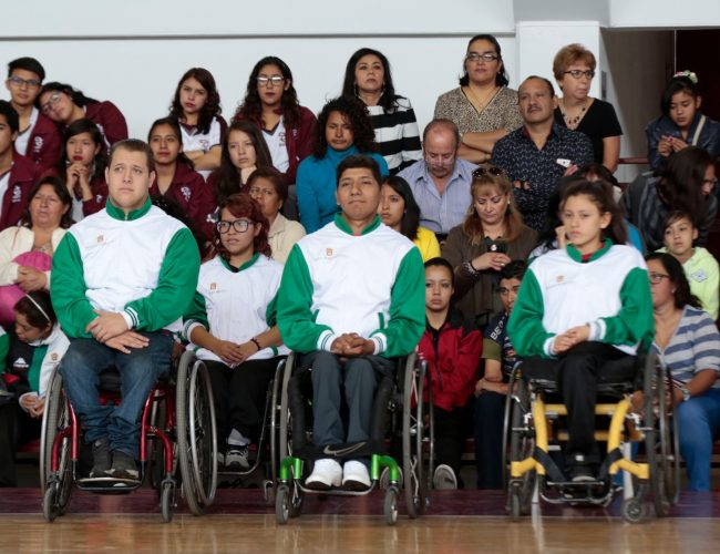 Abanderan a Delegación Mexiquense de Deportistas sobre Silla de Ruedas