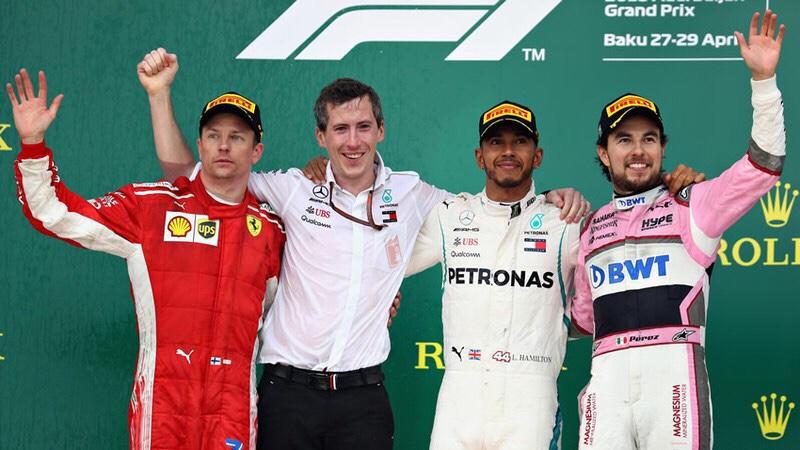Checo Pérez queda tercero en el GP de Azerbaiyán