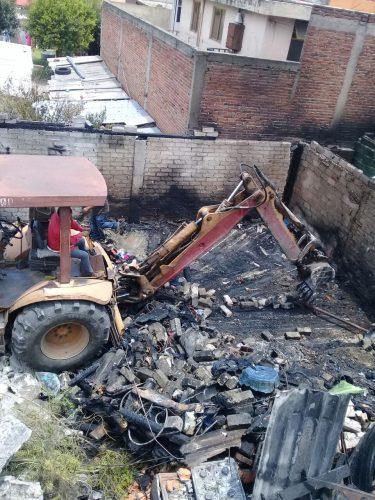 Continúan Labores De Limpieza Por Incendio En Vivienda De La Colonia Isidro Fabela