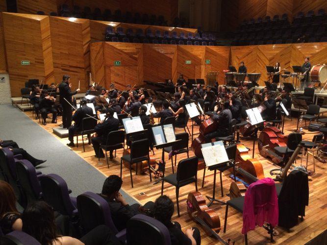 Integra Orquesta Sinfónica Mexiquense Tributo A Mamás