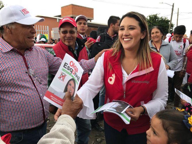 Olga Esquivel promoverá becas y capacitación para jóvenes en busca del primer empleo