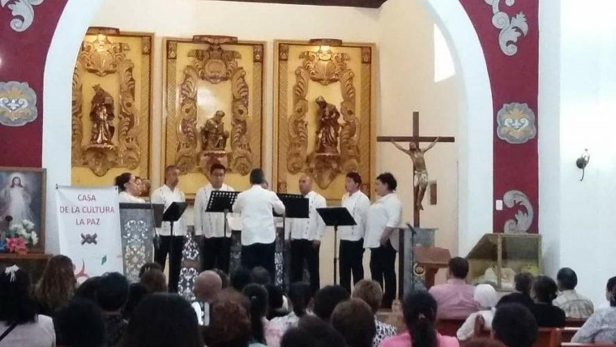 Llena octeto vocal de música los rincones mexiquenses