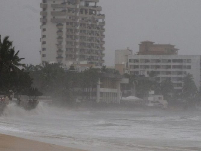 """""""Lane"""" tormenta tropical se volverá huracán en costas mexicanas"""