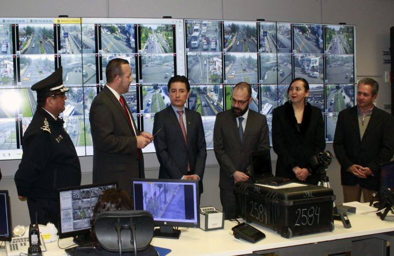 Recibe Policía de Toluca equipo biométrico que contribuirá a la localización de personas desaparecidas