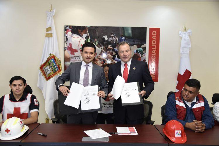 Signan convenio Secretaría de Obra Pública y Cruz Roja para capacitar a Grupo Tláloc