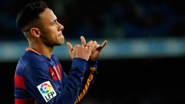 Comparte Neymar sus técnicas de baile con Mbappé (VIDEO)