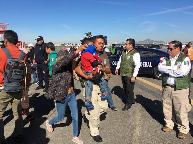 Migrantes centroamericanos se entregan a patrulla fronteriza en Arizona