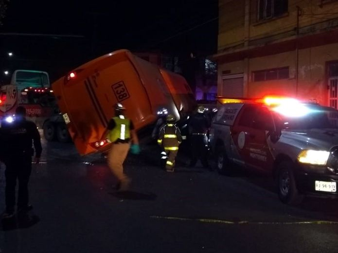 camion_choque_muertos_centro_monterrey.jpg_539665225.jpg