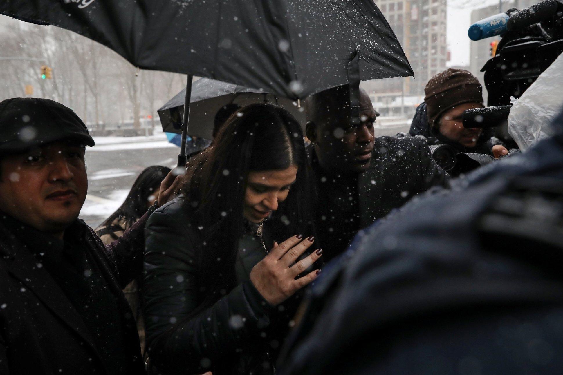 Emma Coronel en el día en que se dio a conocer la sentencia del Chapo. Nueva York, Estados Unidos. 12 de febrero de 2019. REUTERS/Brendan McDermid