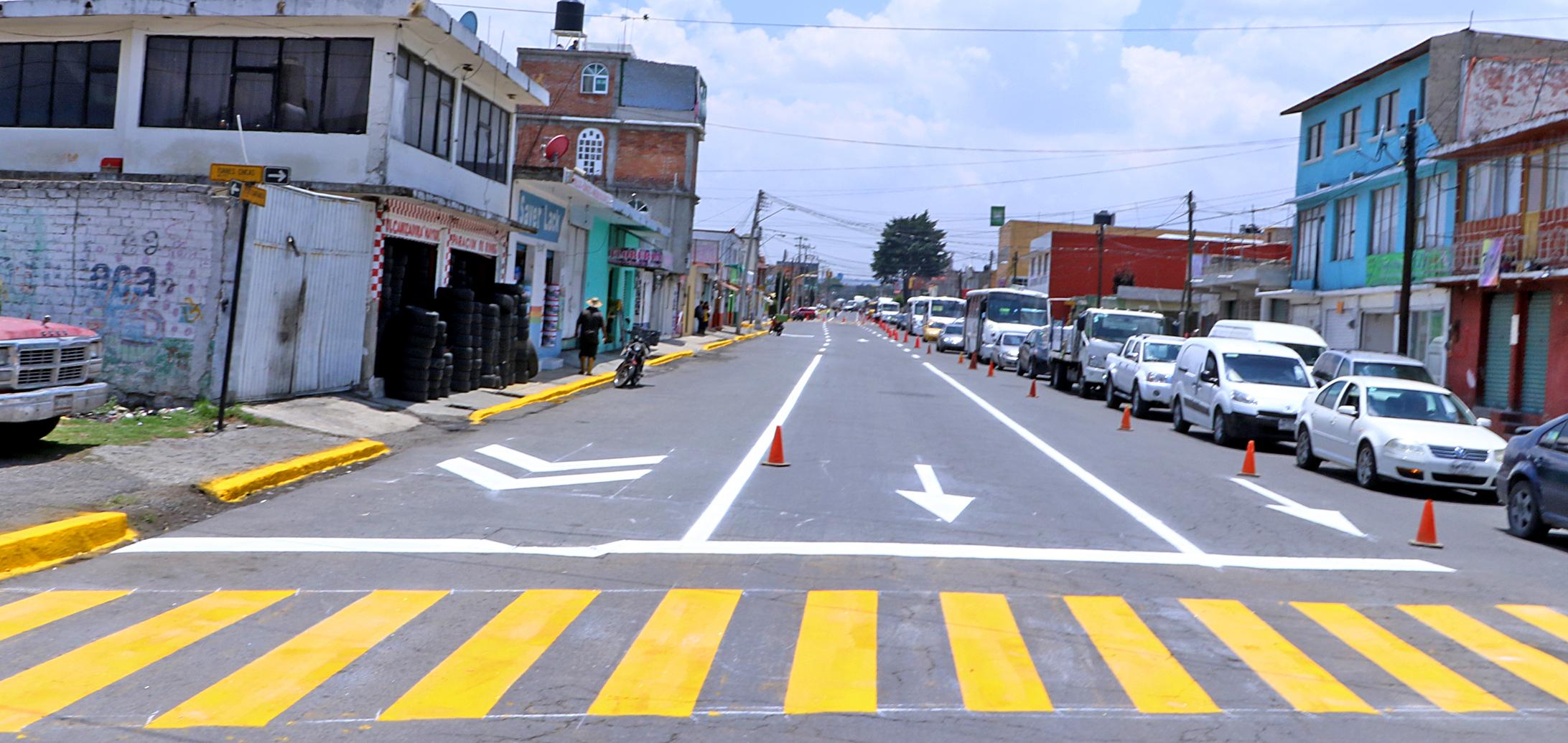 Aumenta Toluca más de 59 mil metros cuadrados la señalización vial
