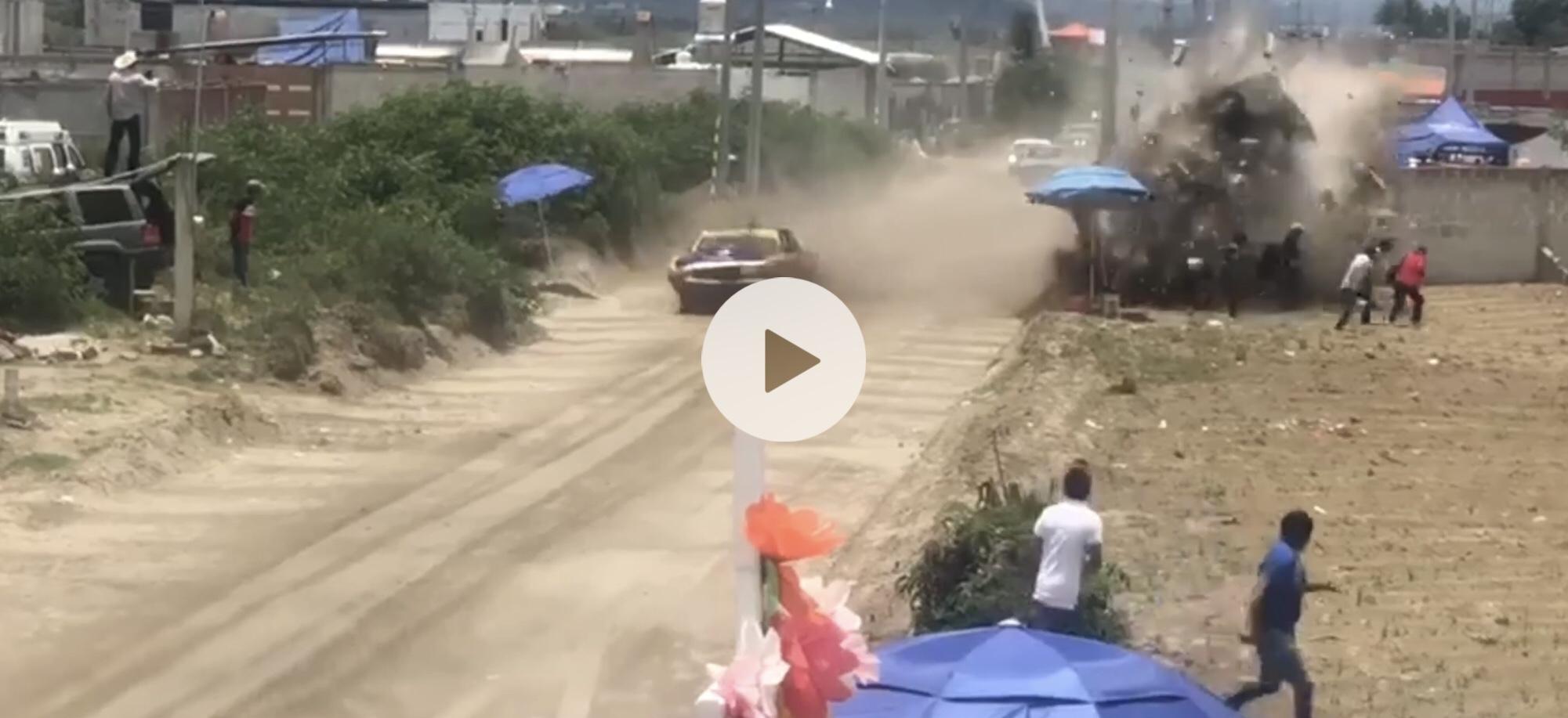 #Video Carrera de autos deja dos muertos en Puebla