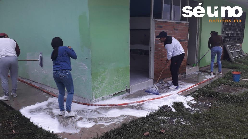 OAyST realiza labores de limpieza y desazolve en Telesecundaria de Toluca