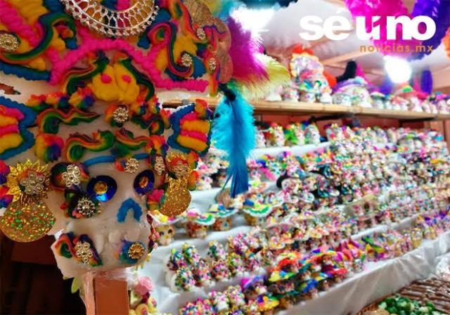 Conquistan arte y cultura de la Feria del Alfeñique