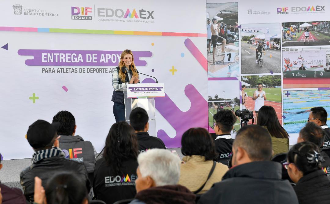 Realiza Fernanda Castillo entrega histórica de apoyos especiales a atletas paralímpicos