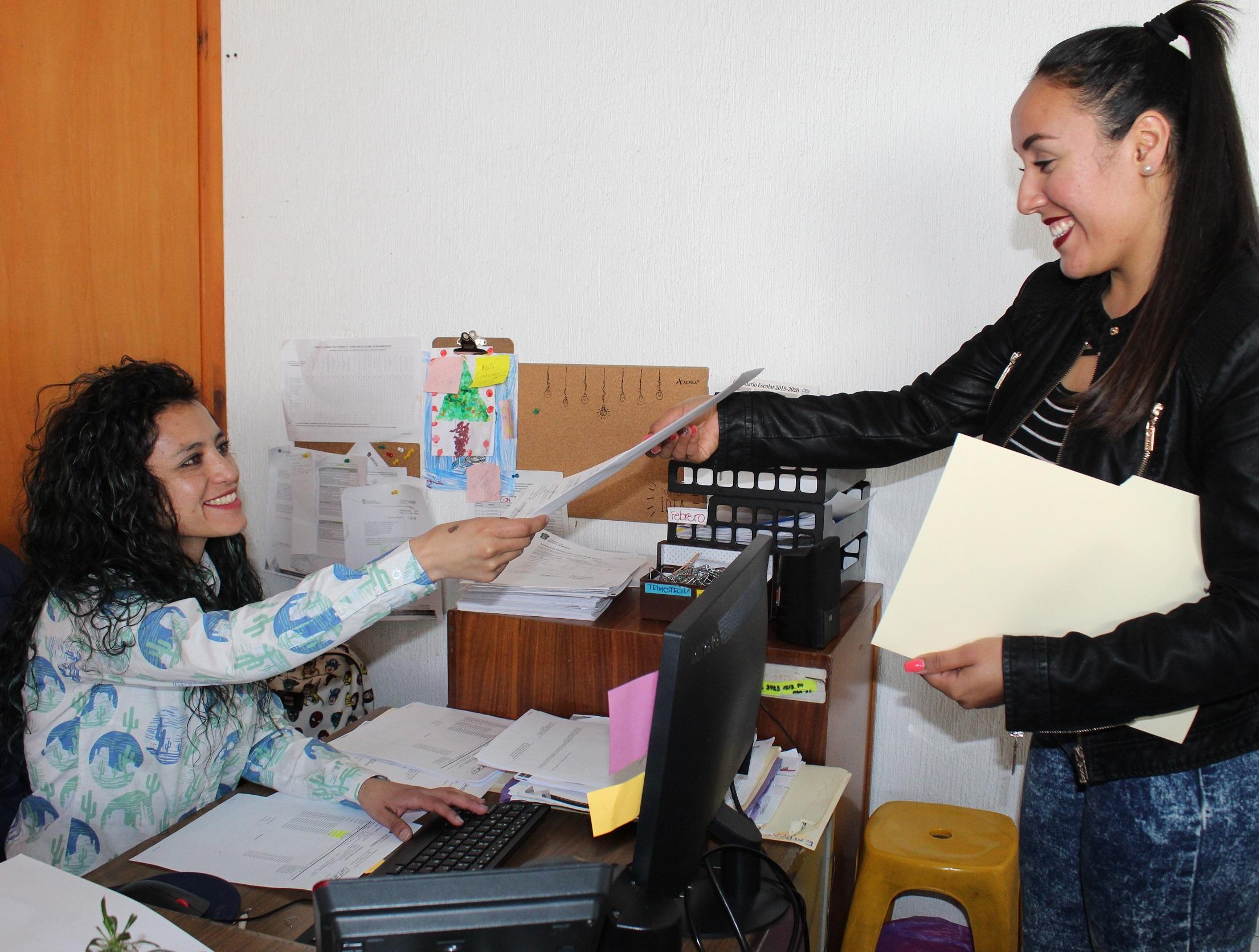 Imparte salud taller para promover solidaridad entre servidoras públicas