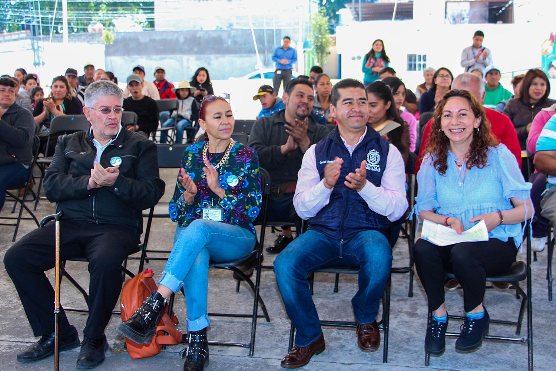 """Agradecen vecinos de Barrios Tradicionales pláticas del """"Día Azul"""