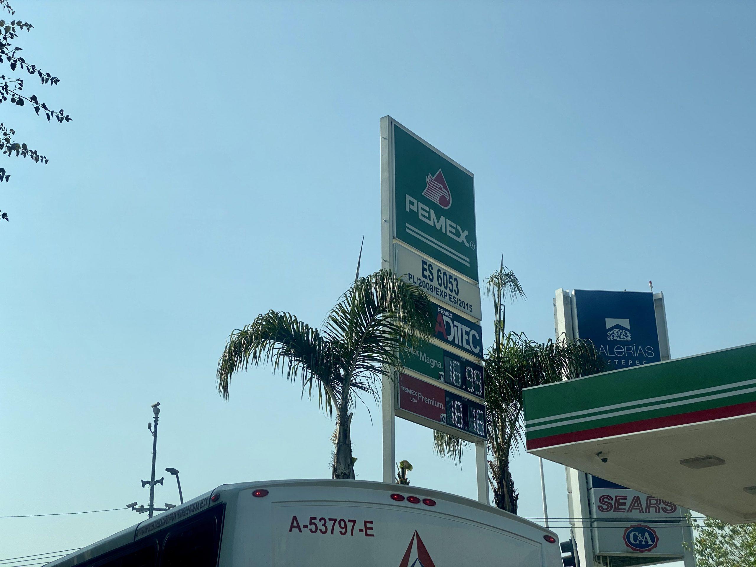 Continúa bajando el precio de la gasolina en Toluca