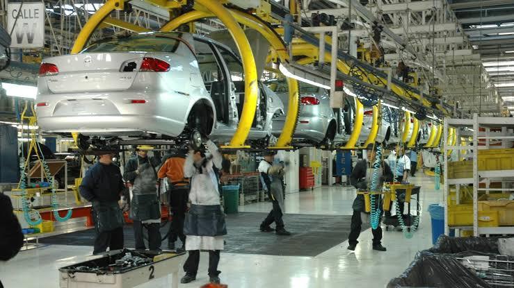 Covid-19 desploma 29.6% la actividad industrial en México