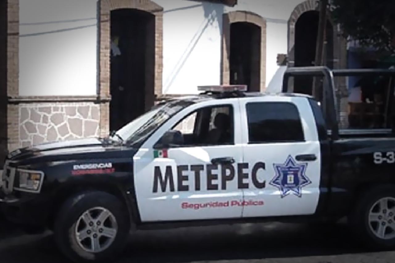 Policía de Metepec detiene a 6 personas por realizar tala ilegal de árboles sobre el jardín lineal
