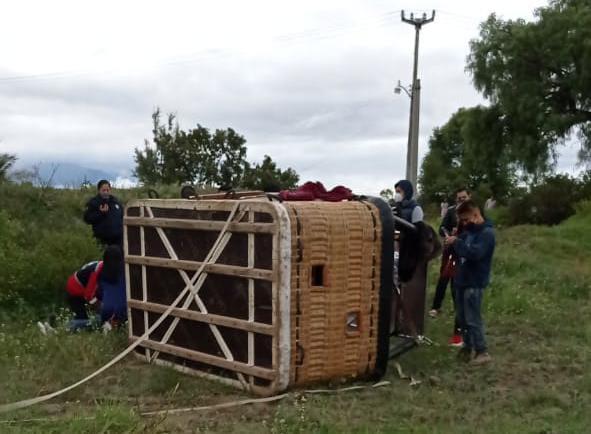Globo aerostático se desploma en Teotihuacan