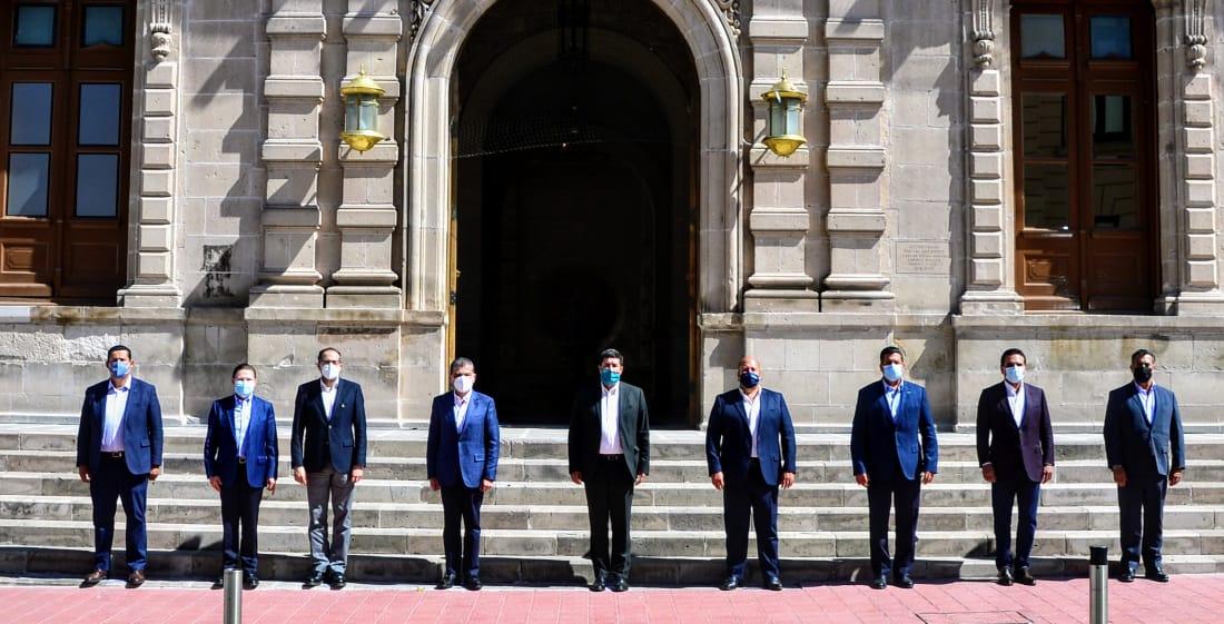 10 Gobernadores de oposición salen de la Conago