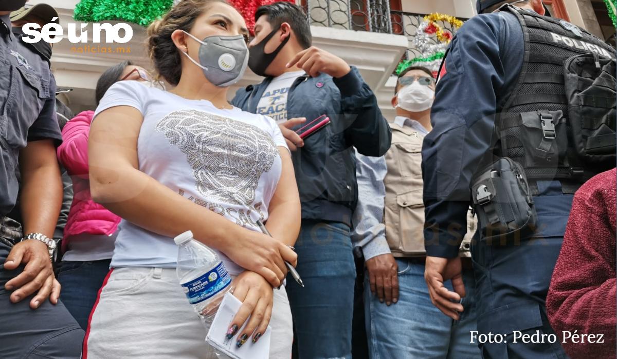 Mientras edil de Ocoyoacac se maquilla y pinta la uñas, habitantes exigen seguridad y mejores servicios
