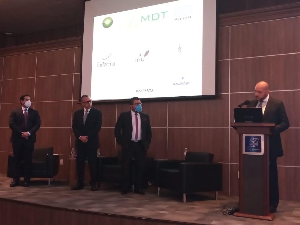 Especialistas presentan conferencia de consciencia ante el COVID-19
